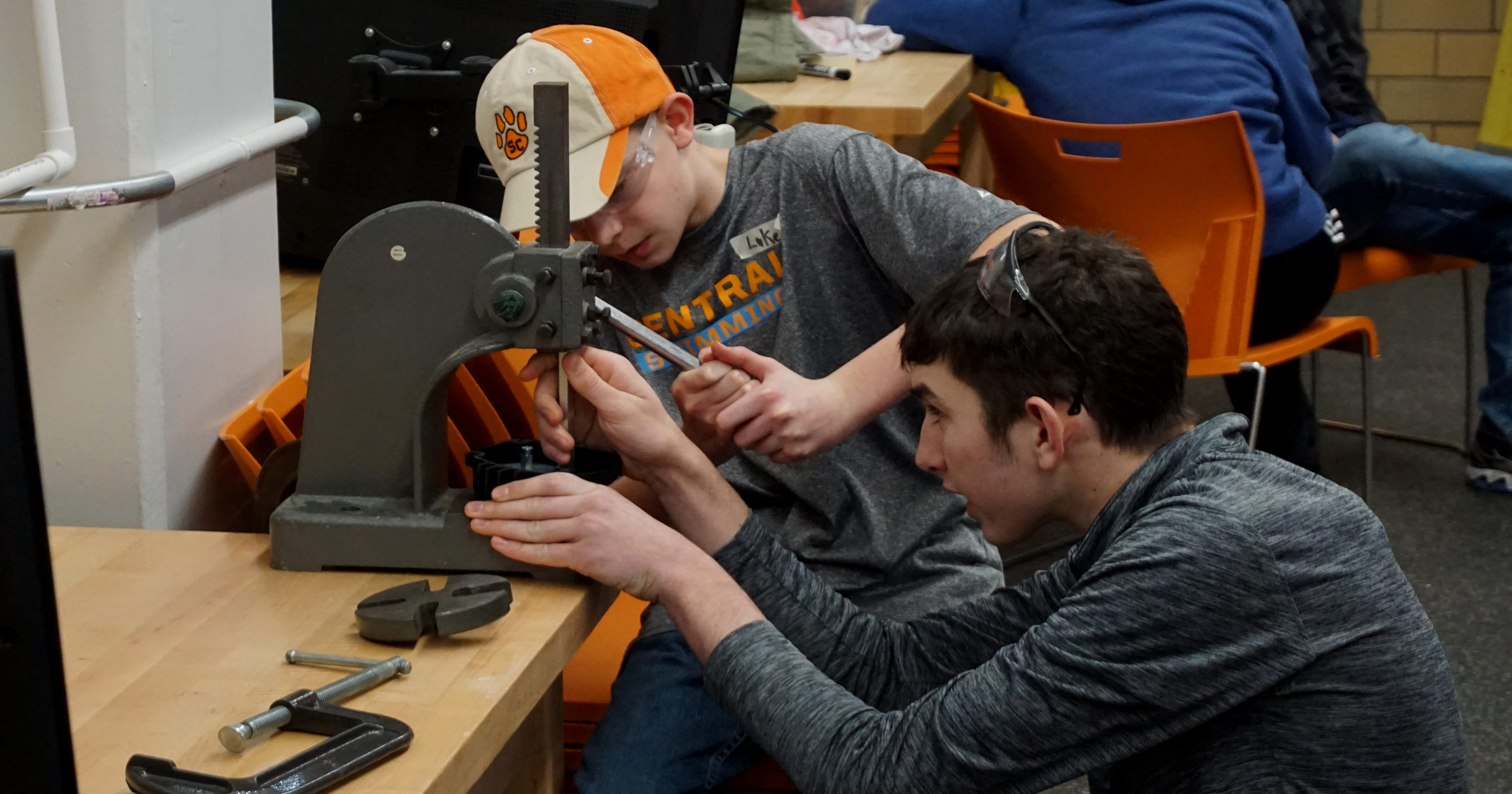 UT welcomes high school robotics teams for FIRST competition kick-off