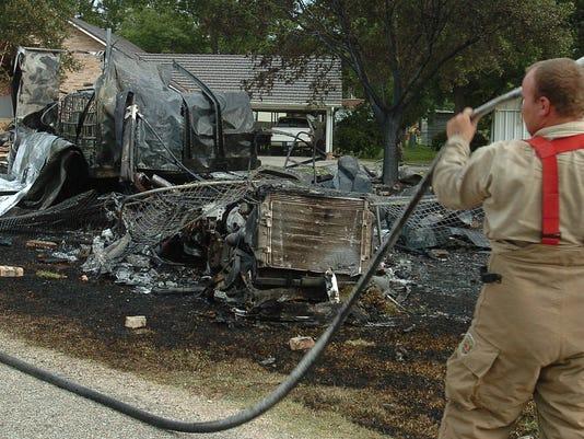 635738788806917630-truck-fire1
