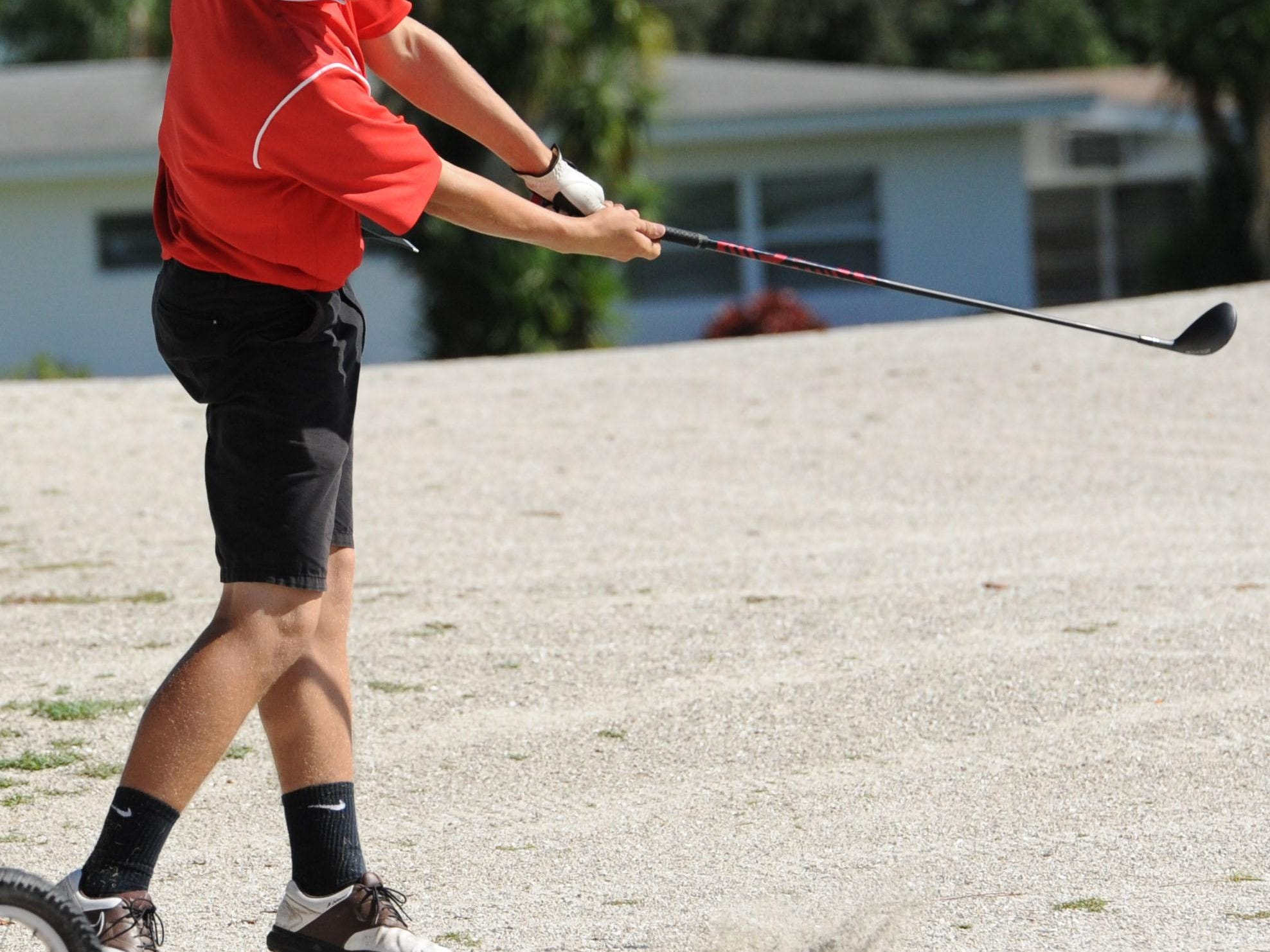 A North Fort Myers man is looking to raise $10,000 for the Red Knights' golf team.