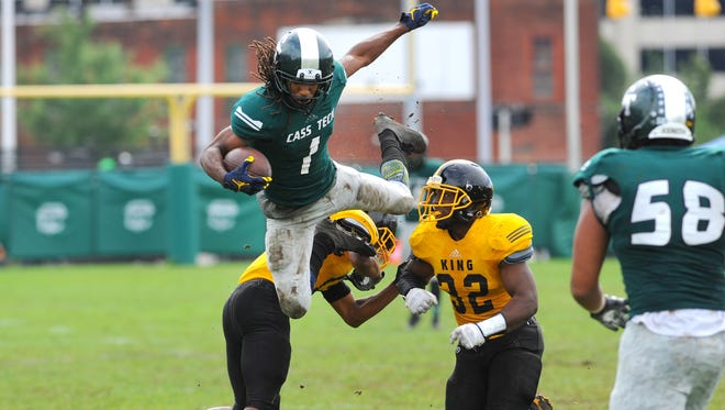 Jaylen Kelly-Powell and Detroit Cass Tech are favored over Detroit King by Detroit News staff writers.