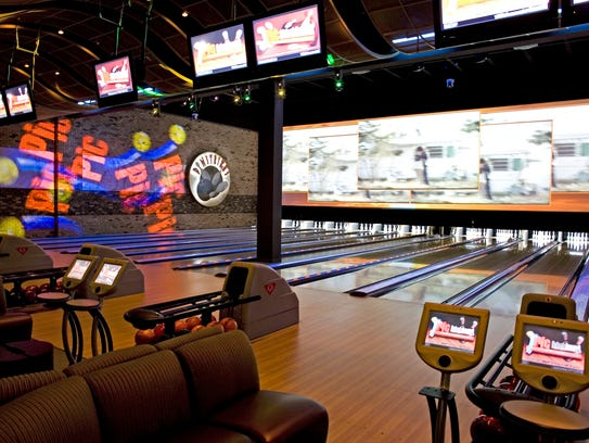 Seeing a movie isn't all that unusual a date idea, and you can probably pull it off at the last minute on Valentine's Day, but what about combining it with some friendly competition? The iPic at Bayshore Town Center in Glendale has movies and bowling, all in one place.