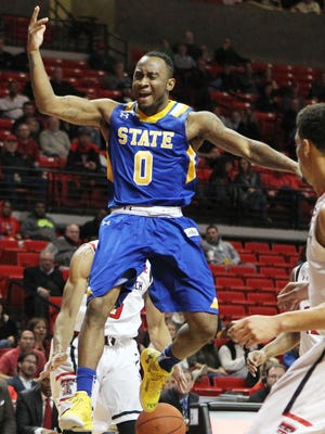 Deondre Parks averages 15.1 points a game for South Dakota State.