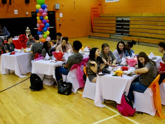 Students from Linden and Allen, Texas, dining together