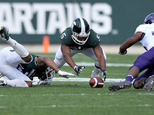 Michigan State linebacker Andrew Dowell (5) had 67