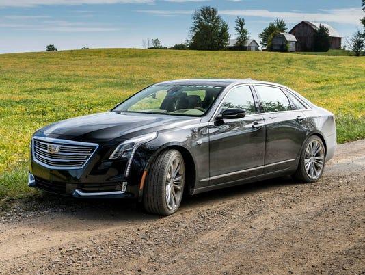 636422943146502935-2018-Cadillac-CT6-04.JPG