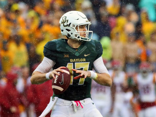 Baylor Bears quarterback Seth Russell (17) in the pocket