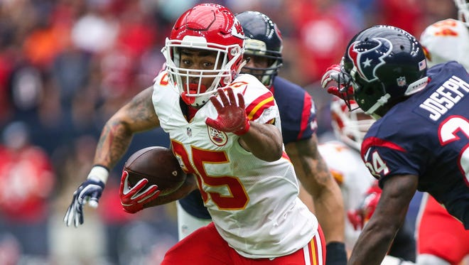 Charcandrick West hasn't done much so far this season, but in Week 9 he's the Chiefs' only healthy running back.