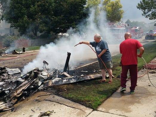 small plane crashes into illinois woman 39 s dining room. Black Bedroom Furniture Sets. Home Design Ideas