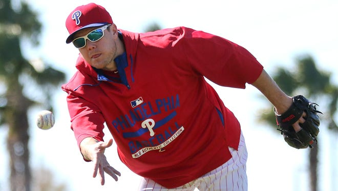 Jonathan Papelbon still believes the Phillies will contend for the playoffs this season.