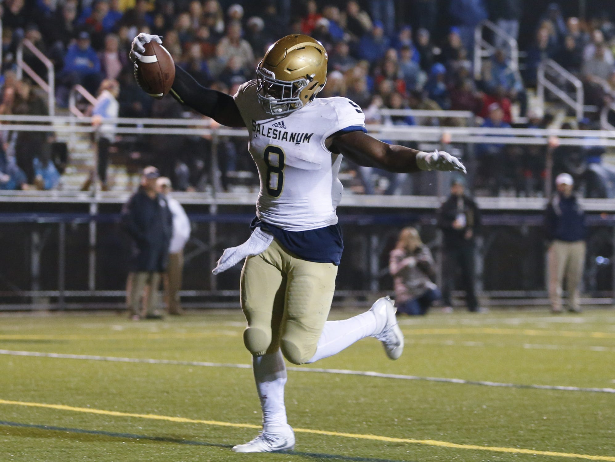 Salesianum's Josh Patrick scores on a run in the second quarter against Middletown in a DIAA Division I state tournament semifinal at Cavalier Stadium Friday.