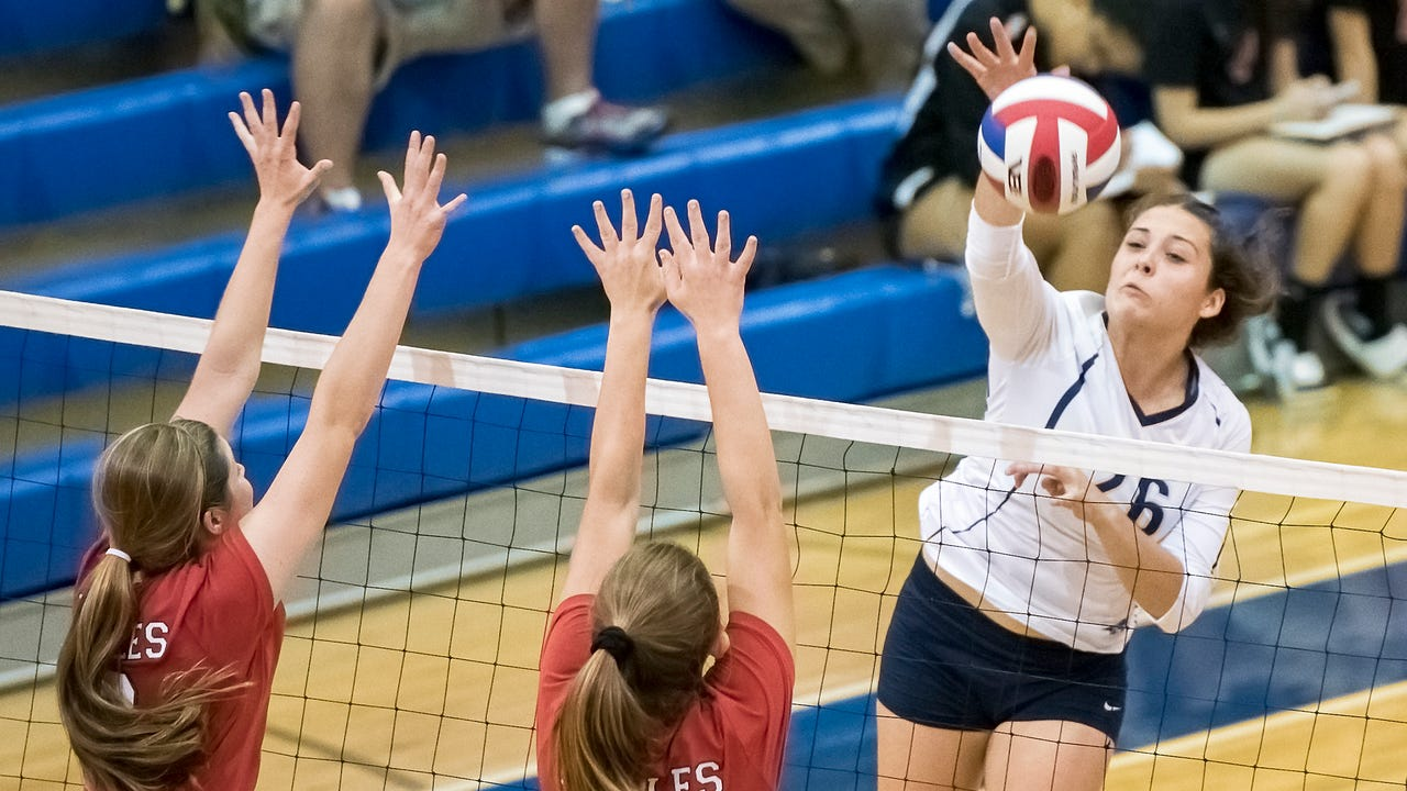 Watch: Chambersburg falls to Cumb. Valley in girls volleyball