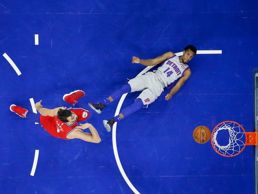 Dario Saric, Ish Smith