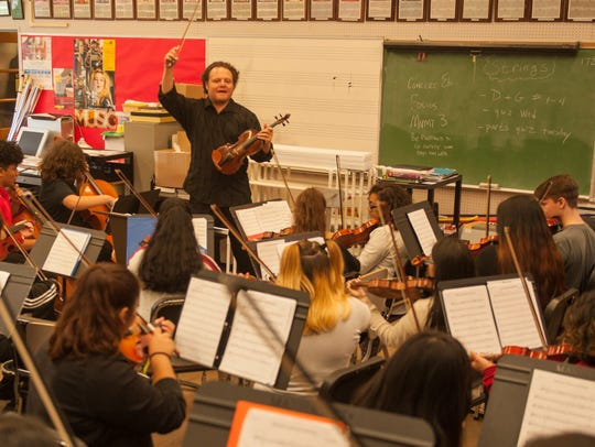 Bay Atlantic Symphony violinist Genaro Medina teaches