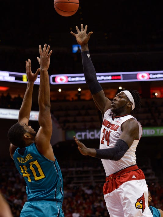 NCAA Basketball: NC-Wilmington at Louisville