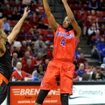 Louisiana Tech guard Speedy Smith scored 17 points to lead the Bulldogs to a crucial win Thursday over UTEP.