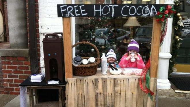 The Pella Chamber of Commerce hosts a free hot cocoa bar every Saturday in December.