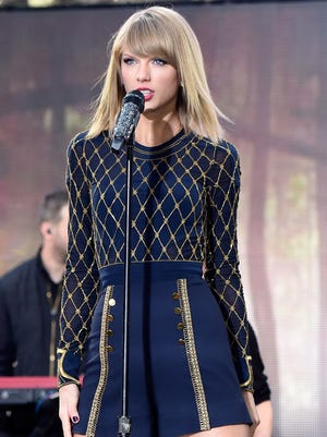 Taylor Swift performs on 'Good Morning America' on Oct. 30, 2014 in New York City.
