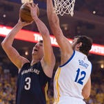 New Orleans Pelicans center Omer Asik (3) has reached an agreement with the team for a contract extension.