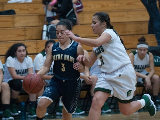 Notre Dame sophomore guard Mariah Schlapfer drives