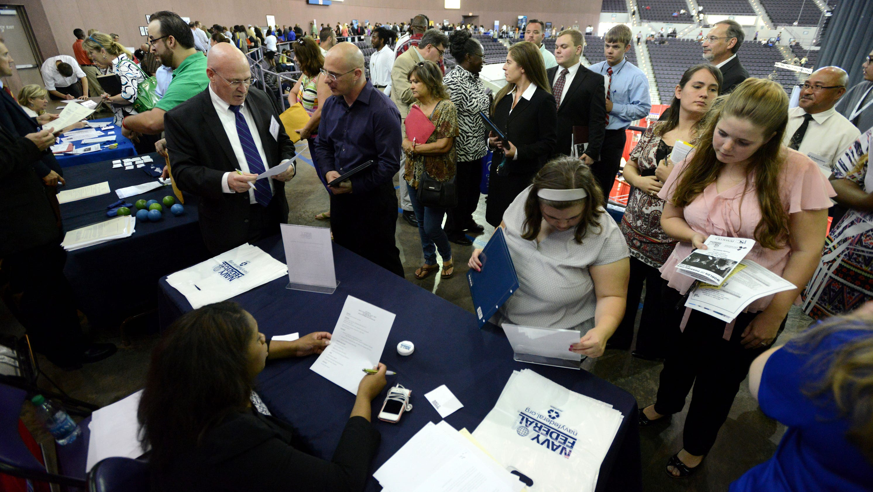 job fair encourages hiring veterans