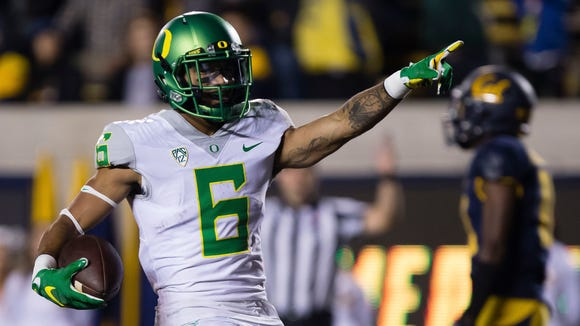 Oct 21, 2016; Berkeley, CA, USA; Oregon Ducks wide receiver Charles Nelson (6) celebrates after a touchdown against the California Golden Bears during the fourth quarter at Memorial Stadium. The California Golden Bears defeated the Oregon Ducks 52-49 in overtime. Mandatory Credit: Kelley L Cox-USA TODAY Sports
