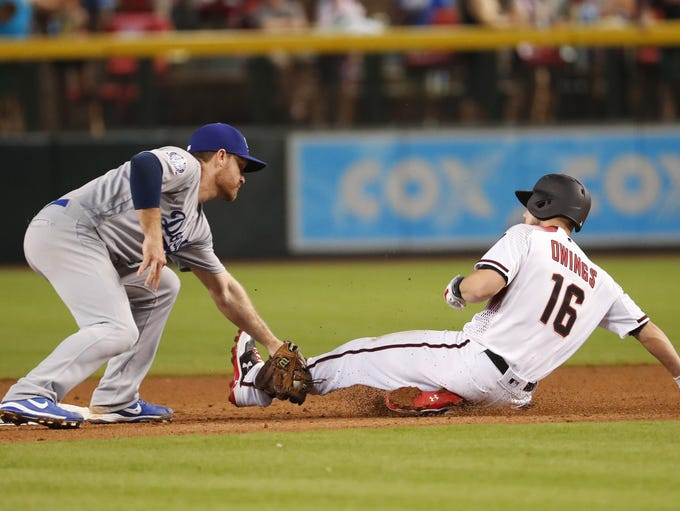 Arizona Diamondbacks center fielder Chris Owings (16)