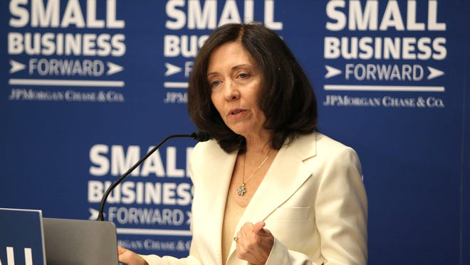 Sen. Maria Cantwell, D-Wash., speaks at a roundtable discussion on small business growth hosted by J.P. Morgan Chase.