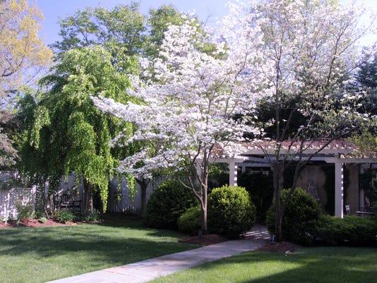 1315-N-Augusta-St-Fayrview-Garden-4-Prewitt-Scripps.jpg 2016 Staunton Historic Garden Week