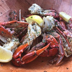 Dining review: The Crabby Lady is secretly kind of nice