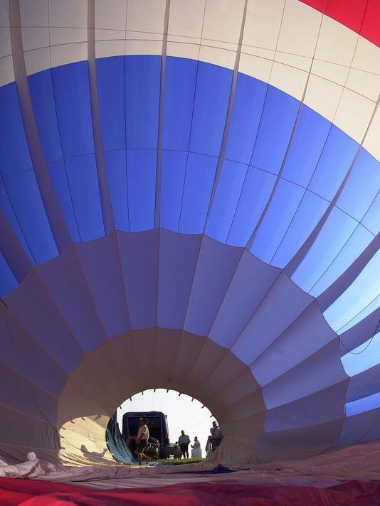 IMG_-balloon1.jpg_200406_1_1_DFB6MK97.jpg_20150628.jpg