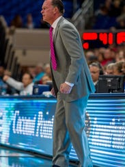 After FGCU coach Joe Dooley switched to a 2-3 zone