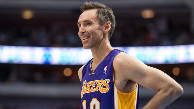 Los Angeles Lakers point guard Steve Nash injured his back against Minnesota on Sunday.