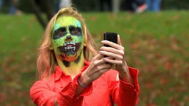Zombie selfies