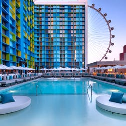 Las Vegas splashes into pool season