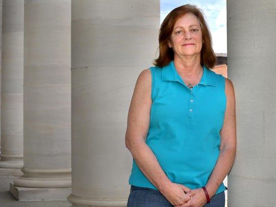 01-Sally Geeting- Breast Cancer Survivor