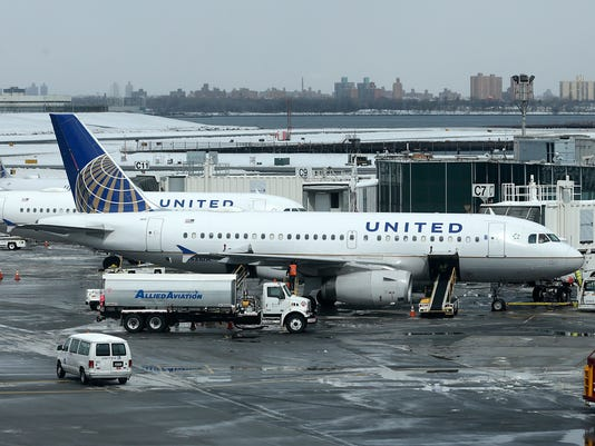 AP EARNS UNITED CONTINENTAL F FILE A USA NY