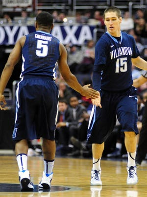 Ryan Arcidiacono (15), Tony Chennault (5) and Villanova are now tied for first in the Big East.