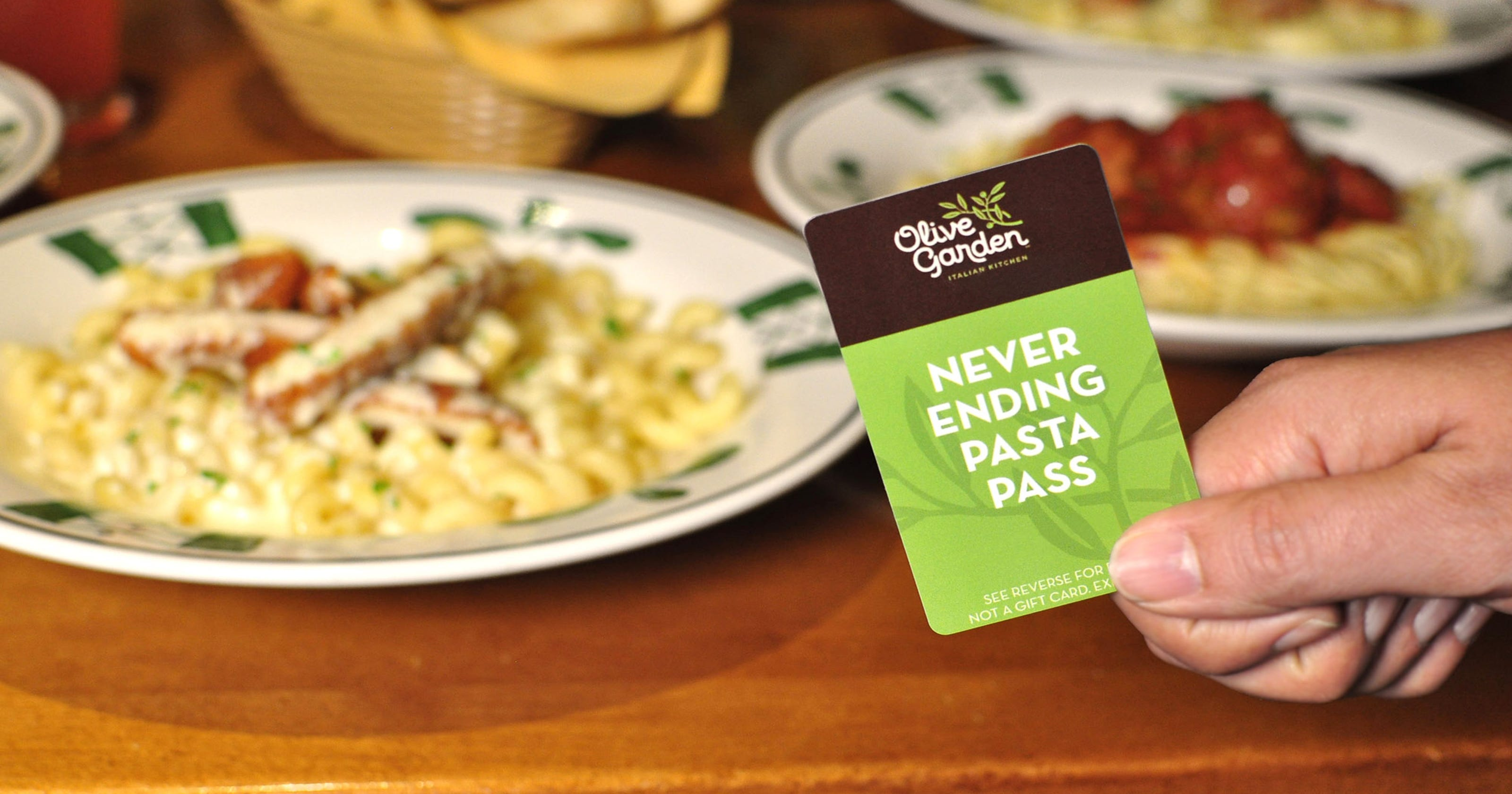 39 random acts of pasta 39 man brings olive garden to homeless for Is olive garden open on thanksgiving