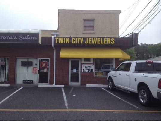 -Twin City Jewelers.jpg_20140610.jpg