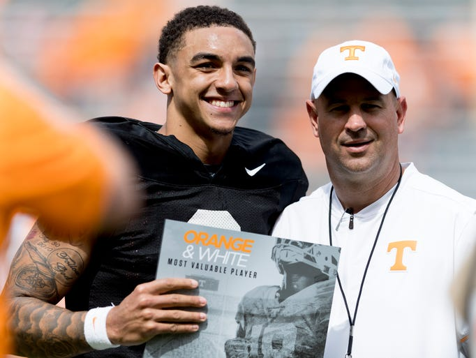 Tennessee quarterback Jarrett Guarantano (2) wins the