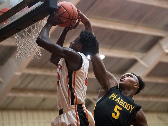 Middleton's Tylandrius Parks unsuccessfully attempts