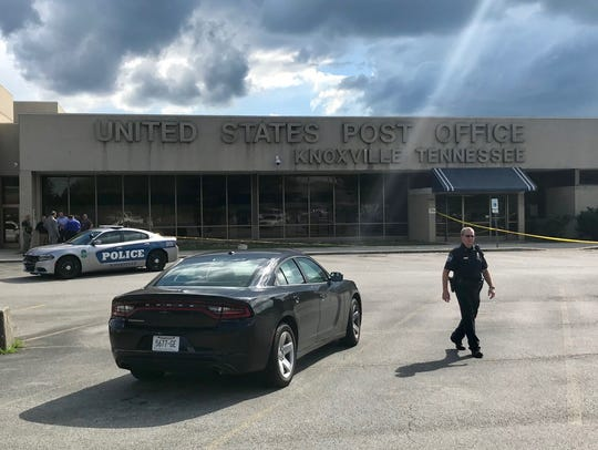 Officers on the scene of the United States Post Office