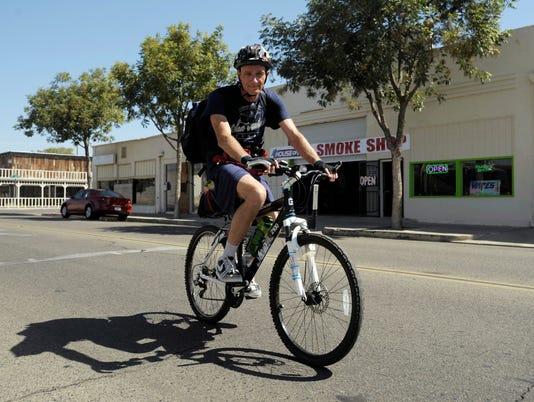 0902_bicyclists_9515.jpg