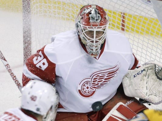 635683645690244970-AP-Red-Wings-Bruins-Hockey-M