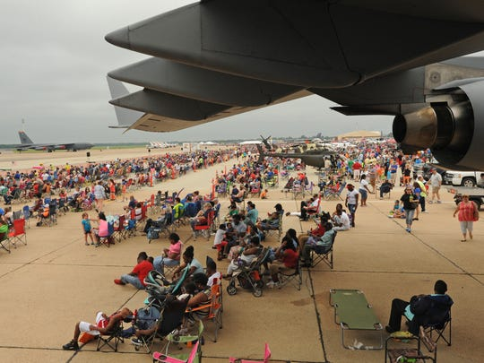 A large crowd showed up to enjoy the airplanes at the