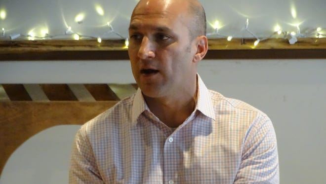 Democratic gubernatorial hopeful Joe Schiavoni speaks to voters Monday at Down Thyme Cafe in Fremont. Schiavoni is one of four candidates for the Democratic nomination for governor in Tuesday's primary election.