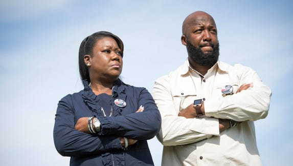 Trayvon Martin's parents, five years after his shooting, weigh political bids | USA Today