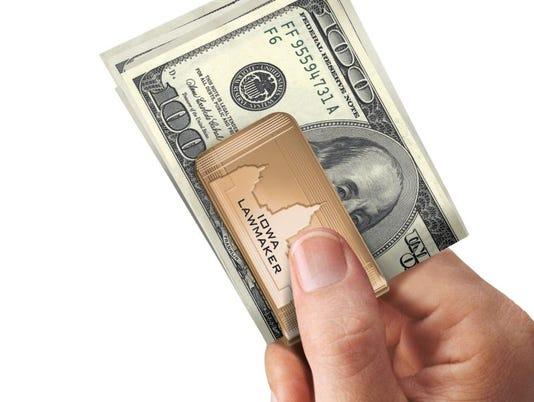 636223415993799334-moneyclip.jpg