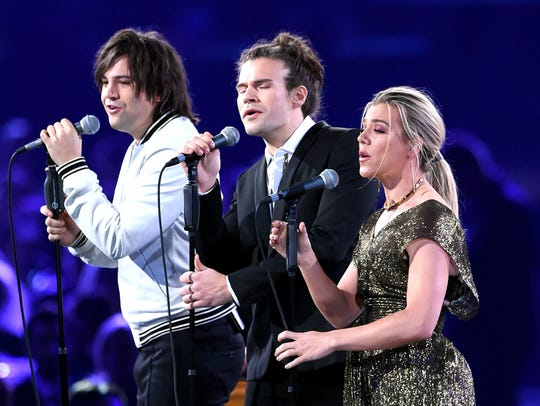 The country music group Band Perry was scheduled to