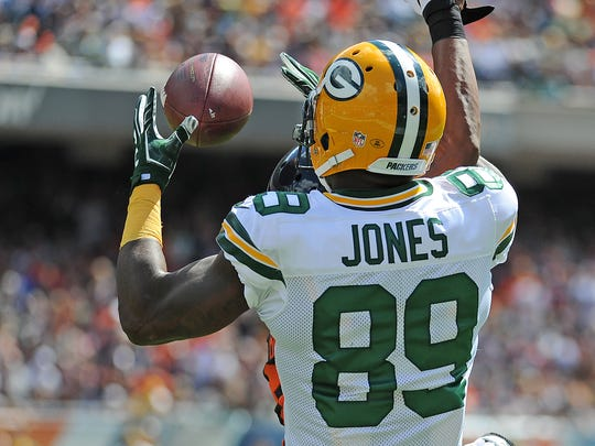 Packers receiver James Jones (89) catches a touchdown pass against the Chicago Bears at Soldier Field.
